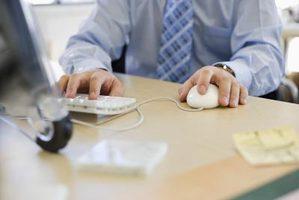 Abusivo l'accesso del pubblico dipendente al sistema informatico per ragioni estranee all'ufficio