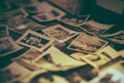 Perdita delle foto e danno non patrimoniale: nessun diritto alla memoria o al ricordo