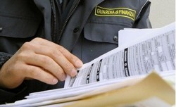 Necessità di dolo specifico dell'amministratore di diritto nel reato di omessa dichiarazione